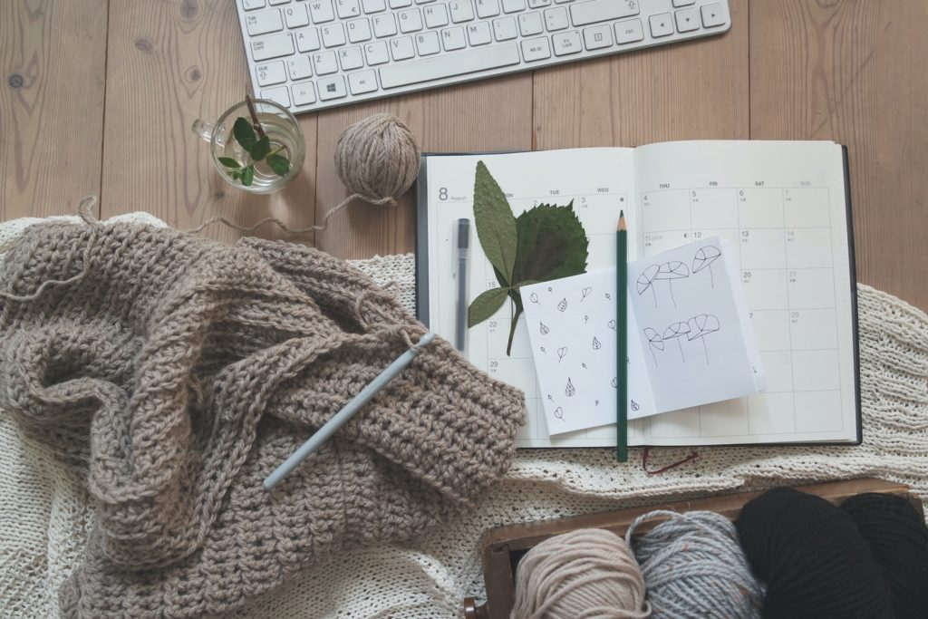 There are so many advantages to blogging. Having a blog can help your business grow and expand by building a brand and increasing web traffic.